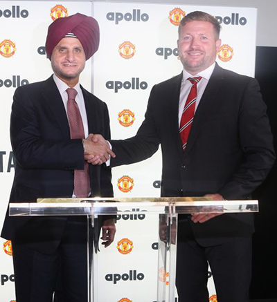 Richard Arnold[Manchester United Managing Director] and Onkar S Kanwar[Apollo Tyres chairman] Sponsor 2013
