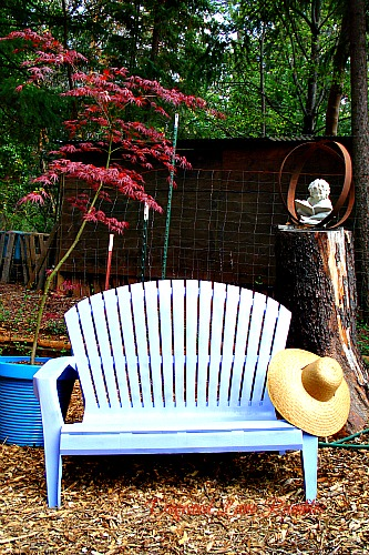garden bench w/hat dogwoodlanerambles.blogspot.com