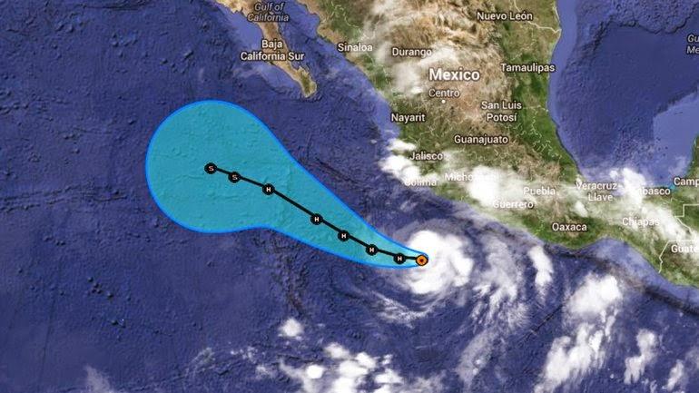 """CRISTINA"" YA ES HURACAN CATEGORIA 1 Y LLEGA A MEXICO A 120 Km/HORA, 11 DE JUNIO 2014"