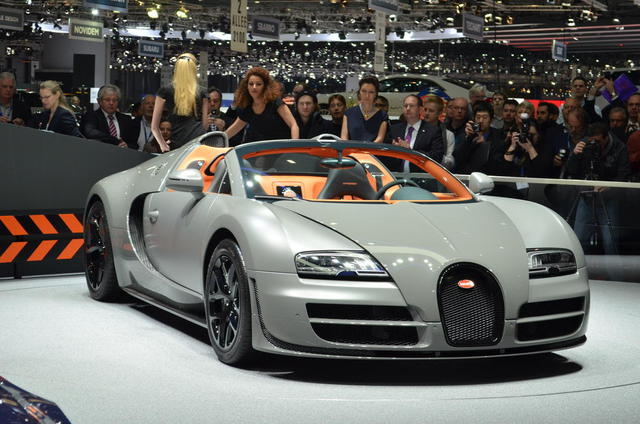 2012-Bugatti-Veyron-Grand-Sport-Front-View-Pictures