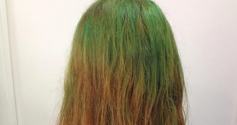Estilo y Belleza : Arreglo de un pelo verde a rojo brillante.