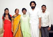 Pawan Kalyan meets Srija n family-thumbnail-9