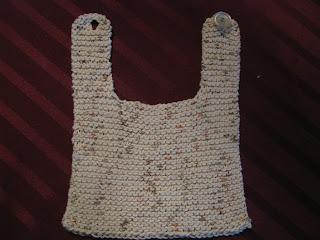 http://chrisknitsinniagara.blogspot.ca/2013/07/quick-knit-baby-bib.html