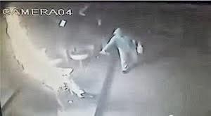 Gambar rakaman CCTV Patung Lilin I-city dibakar