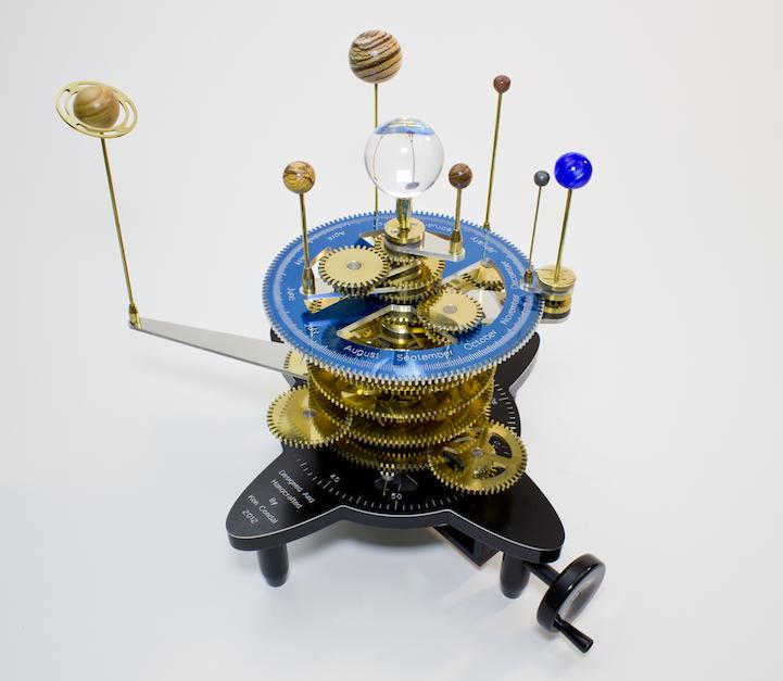 modelo mecánico del Sistema Solar Ken Condal