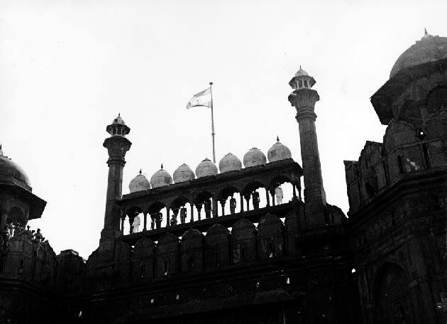 Inspirational Shayari On Indian Politics in Hindi