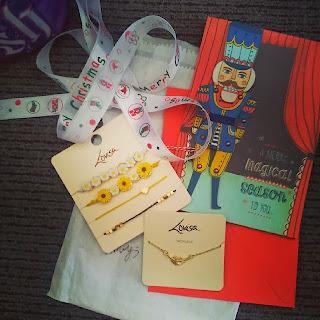 lovisa, yellow flowers, jewellery, nutcracker card, simple, ribbon, kris kringle, christmas presents