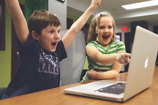 https://pixabay.com/en/children-win-success-video-game-593313/