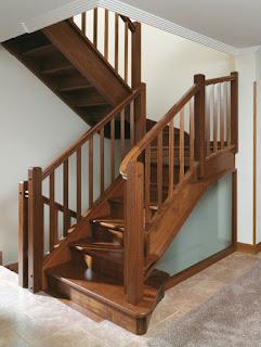 Escaleras de madera carpintero sevilla 665 848 800 puertas tarimas armarios y muebles a - Puertas de madera en sevilla ...