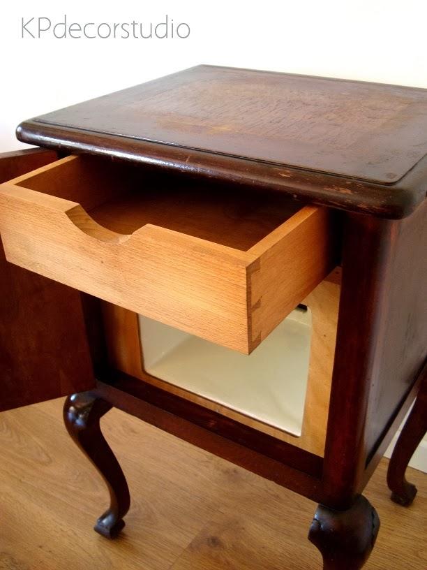 Comprar mesita de luz vintage de madera restaurada