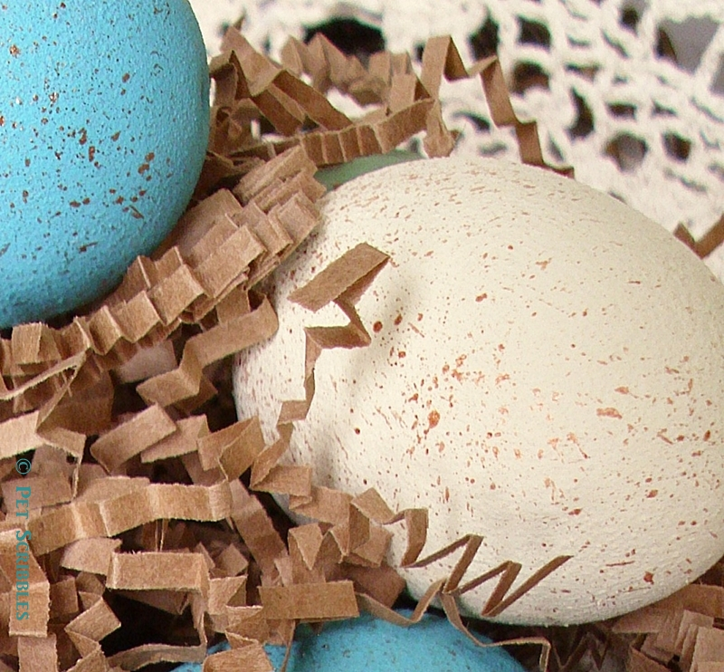 Painted Easter Eggs - easy tutorial to make faux bird eggs for your Spring decor!
