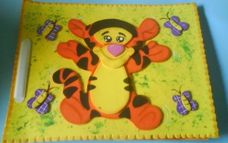 Carpetas hechas con foami para bebés - Imagui