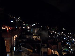 Rocinha de noite