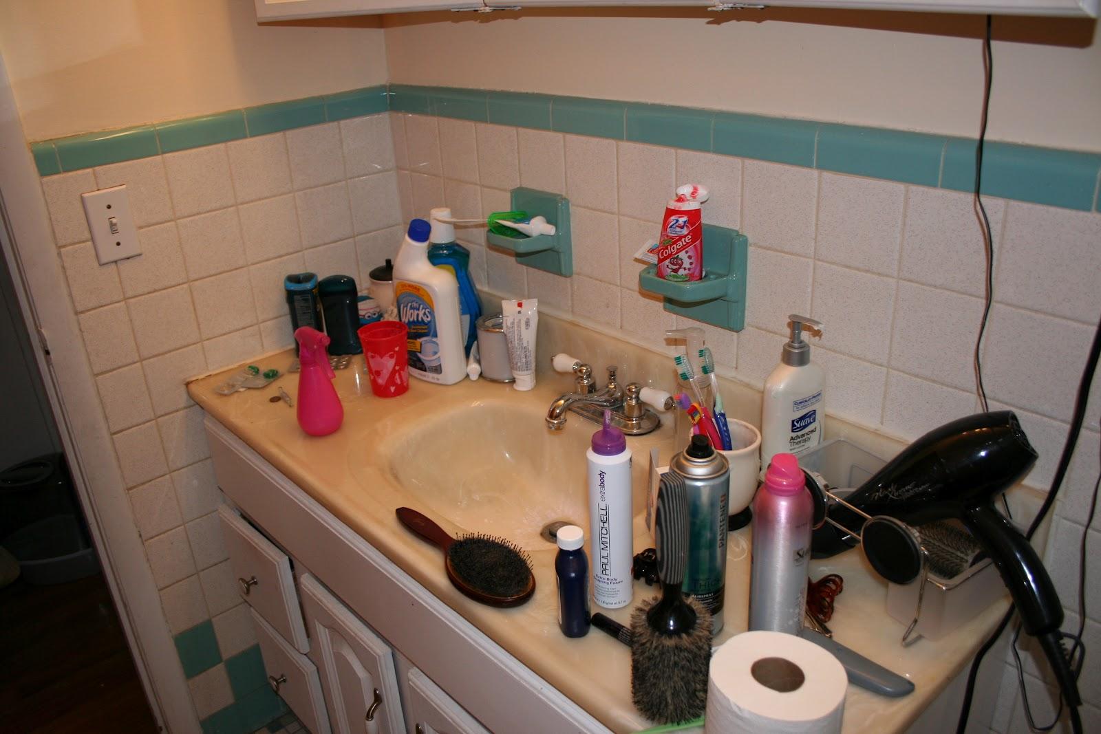 Image gallery messy bathroom for Bathroom image gallery