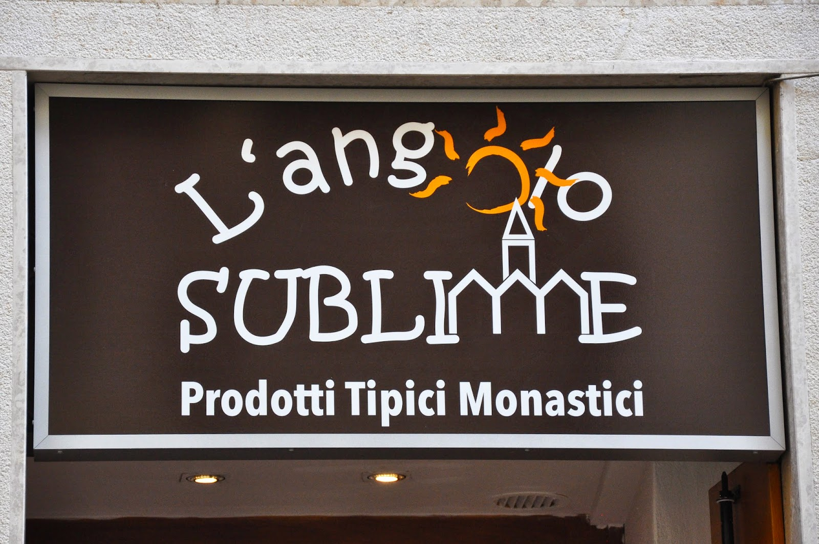 L'Angolo Sublime - a charming shop in Vicenza selling artisan products made in Italian monasteries