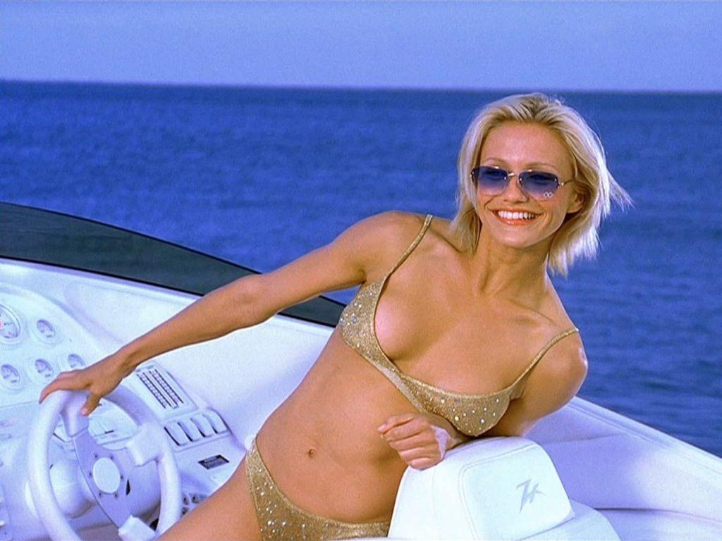 http://1.bp.blogspot.com/-QEGvfseoHlg/Tst5sq1NlwI/AAAAAAAAGwU/f6tOV0U9Qik/s1600/cameron_diaz_in_bikini+%25282%2529.jpg