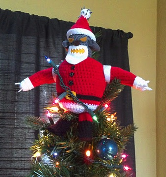 and heres another menacing tree topper for you robot santa from futurama - Santa Christmas Tree Topper