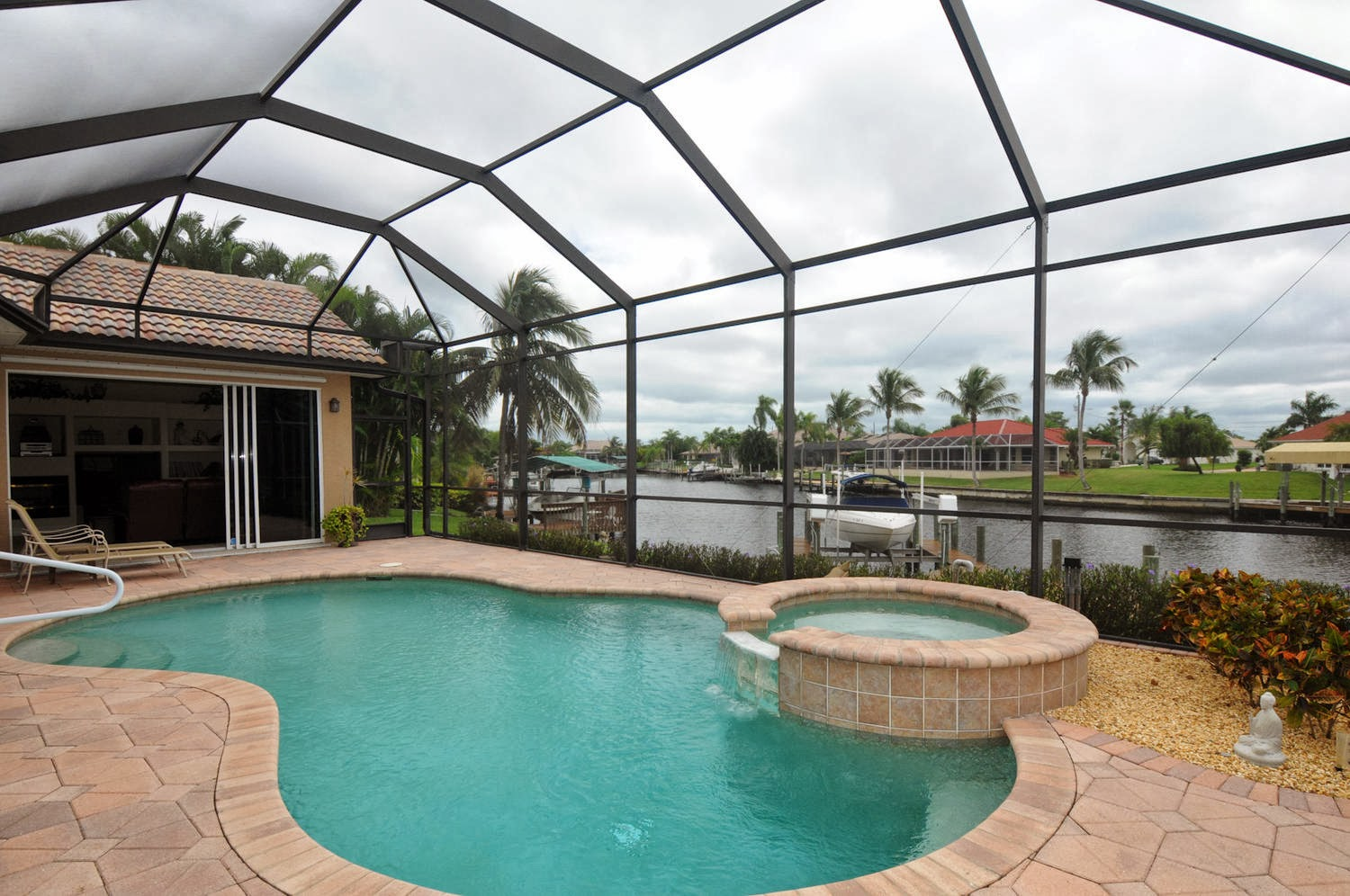spa extras Cape Coral, Florida