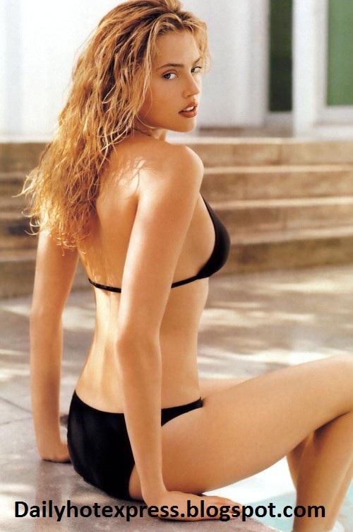 canadian actress estella warren hot pics in bikini sexy galleries