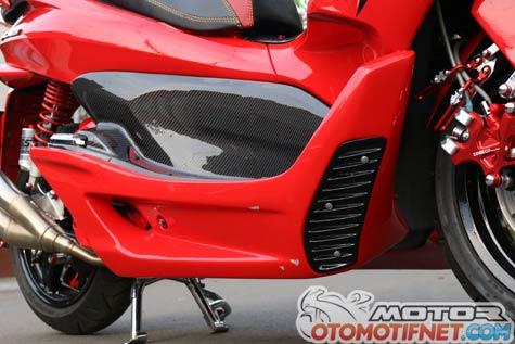 Modifikasi Honda PCX 150 Si Merah Garang