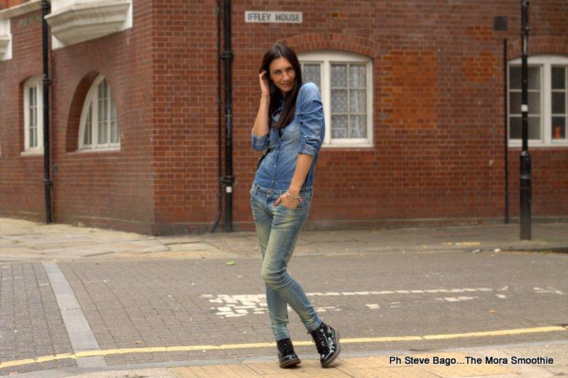 fashionblog, fashionblogger, paola buonacara, londra, london, ootd, italian fashion blogger, fashion blogger italiana, italian fashion blog, fashionblog italia, blogger, blogger italiana, jeans, trend jeans, outfit, look, stradivarius, camicia jeans,