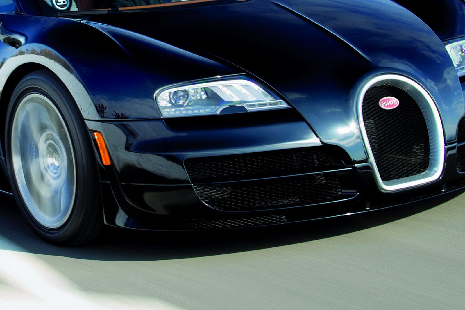 2012 bugatti veyron grand sport vitesse release world of car fans. Black Bedroom Furniture Sets. Home Design Ideas