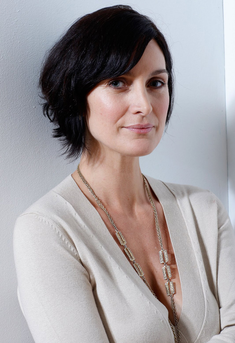 Canadian Celebrities Hairstyle - Carrie-Anne Moss