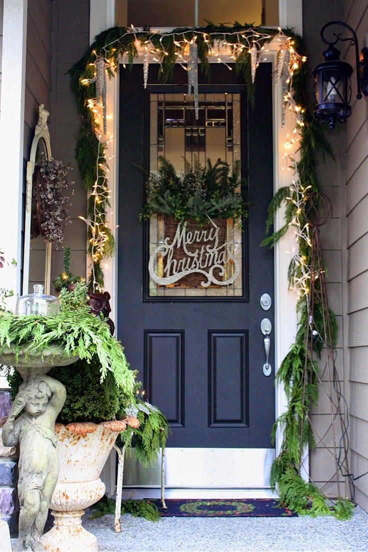 Christmas ideas 2013 christmas front door entry and porch for Decorating outdoor entryways