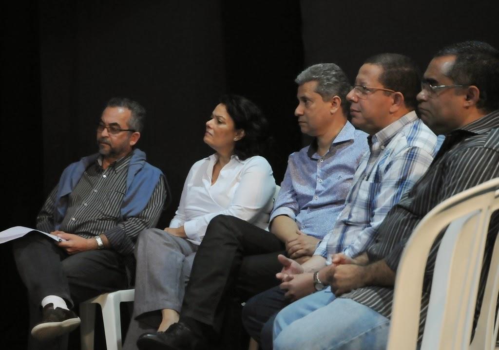 Davi Massena, Secretário de Cultura de Nova Friburgo, com os representantes do Sesc - Maria José Gouveia, Marcos Rego, Eugênio Nascimento e Paulo lavrador