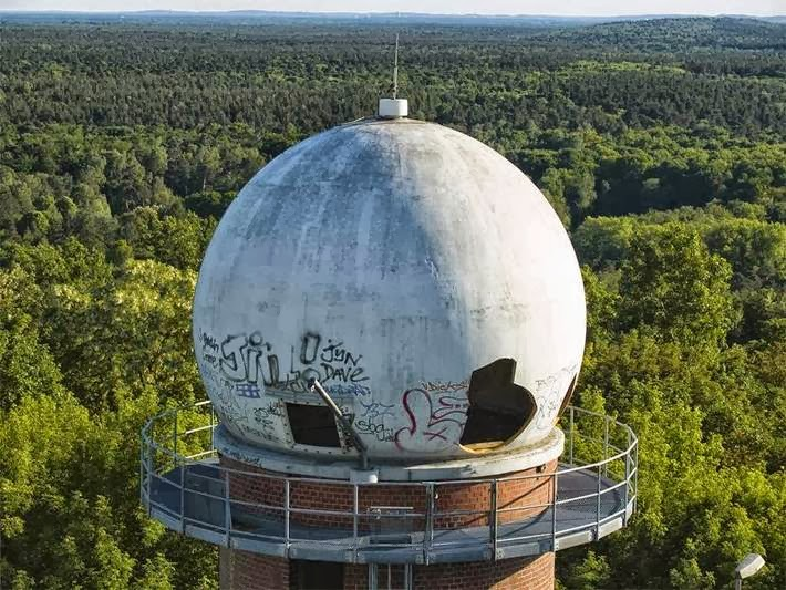 A remnant of the Cold War, Teufelsberg Listening Station stands deserted, abandoned to the ravages of time and vandals.  Dominating Brandenburg Plain, in the northern section of Berlin's Grunewald Forest, the permanent station at Teufelsberg was constructed in 1963.  Yet perhaps the most surprising fact is that the hill itself is less than twenty years older than the listening station that sits atop it.