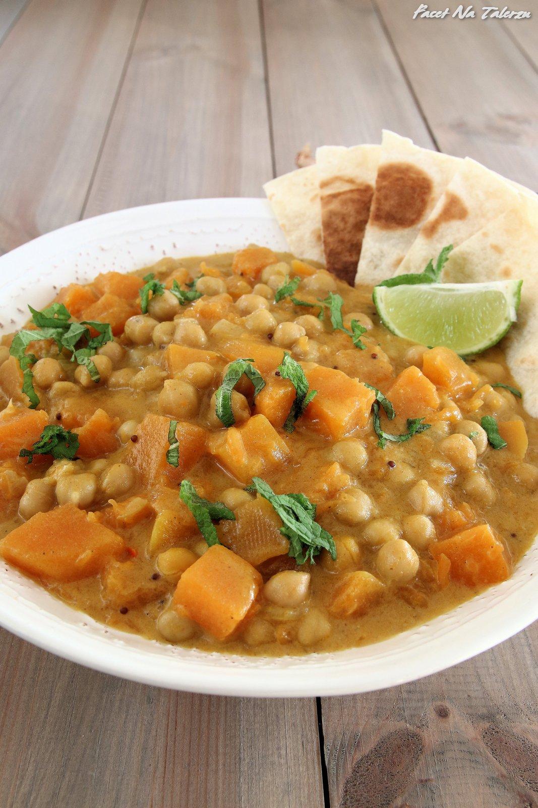 Kokosowe curry z dyni i ciecierzycy