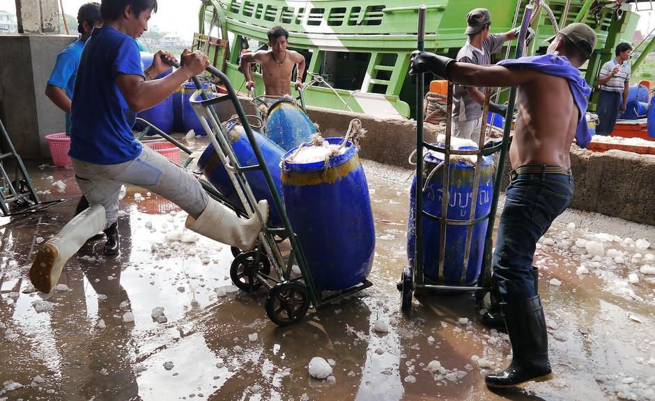 burmese-migrant-fishermen-thailand-940x576.jpg