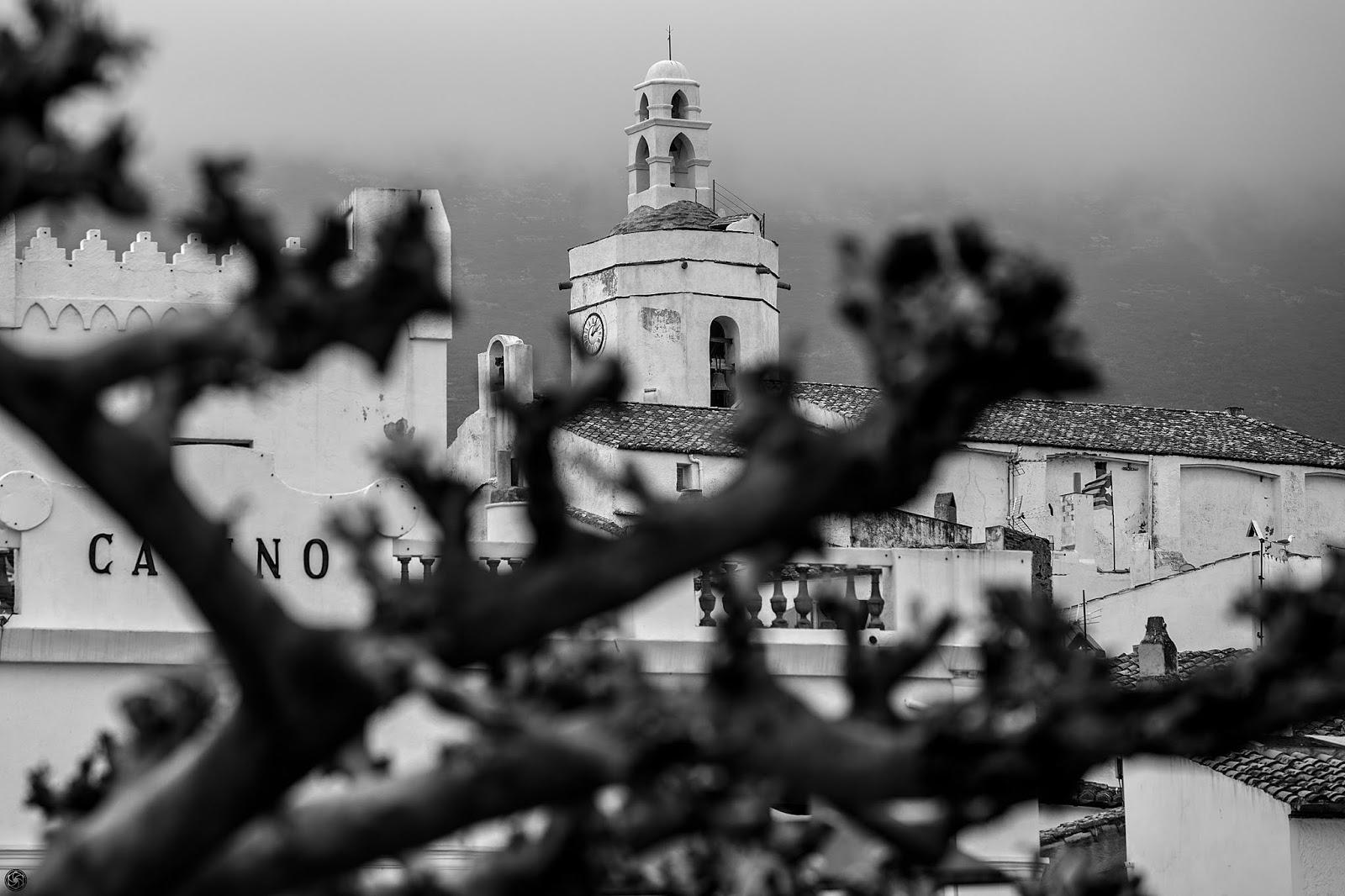 Campanario de la iglesia, detrás del casino, detrás del árbol :: Canon EOS 5D MkIII | ISO200 | Canon 70-200 @200mm | f/7.1 | 1/200s