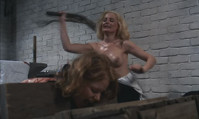 podsmotrel-kak-ona-masturbirolvala
