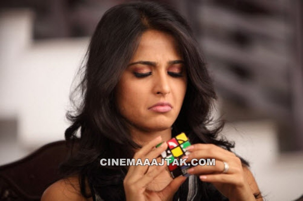 Anushka Shetty1 - Anushka Shetty Face Close Up Wallpapers
