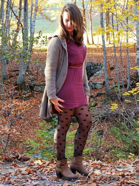 Primark Chaussea Bottines d'automne chaussure d'automne collant à pois Robe bordeau mauve