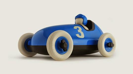 デザインの発信地ロンドンからオシャレでかっこいいクルマのおもちゃ