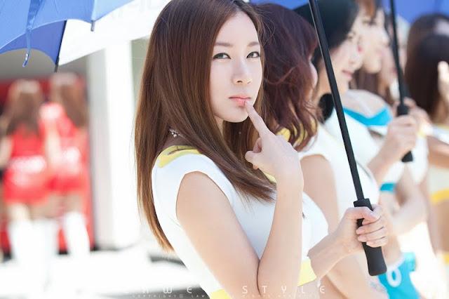 Han Ji Eun at CJ Super Race R5 2011