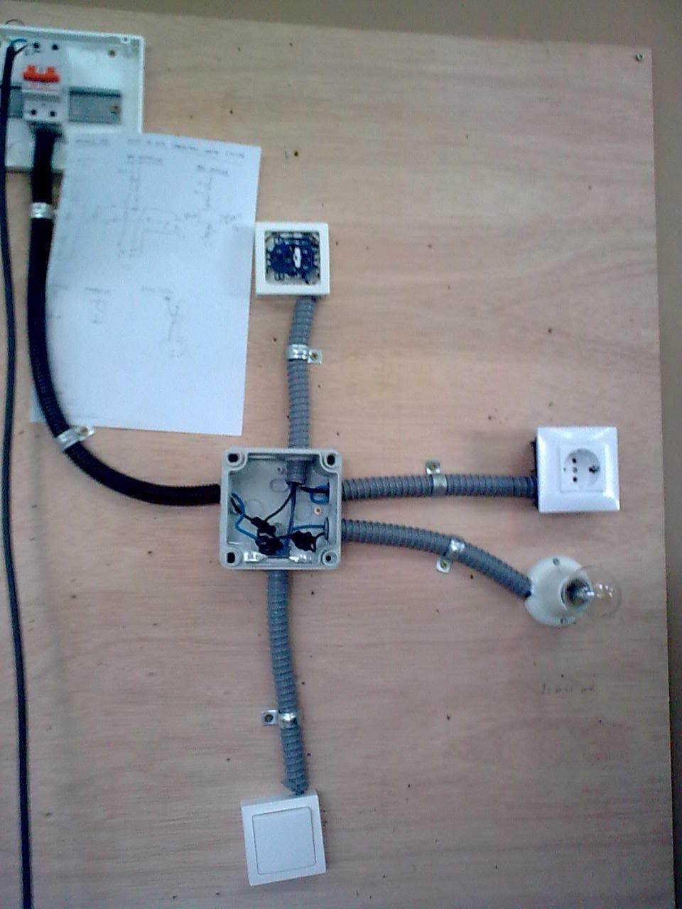Blogepracticas grupo 1 practica 10 de ele punto de luz - Conmutador de luz ...