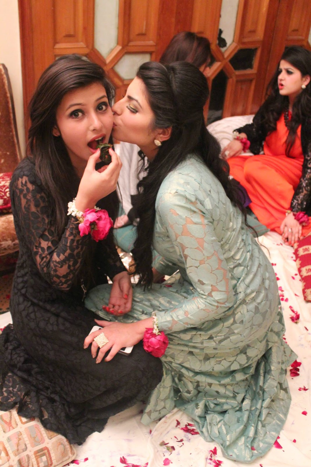 Desi Pakistani Girls Lovely Kisses HD Photos