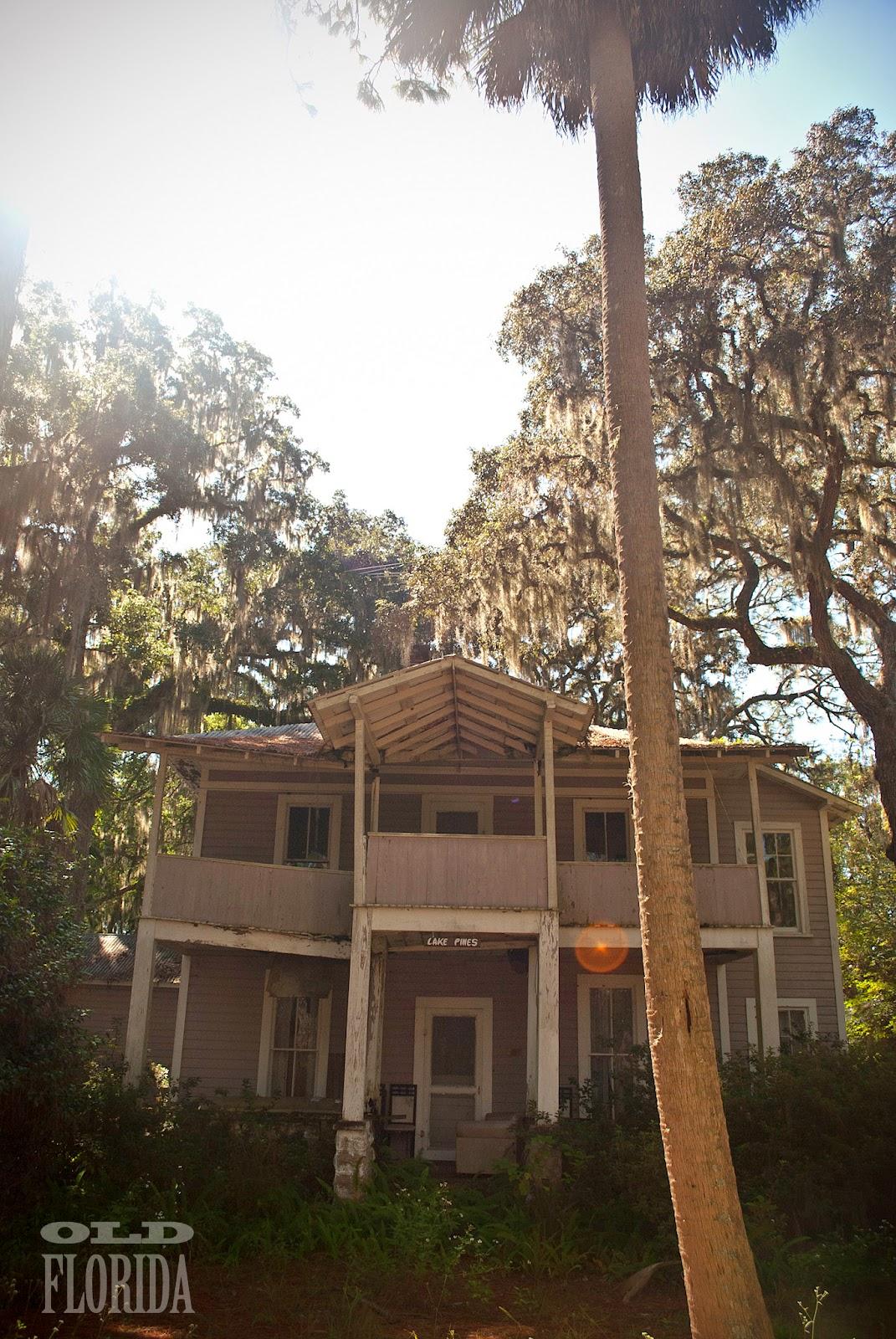 Good Day Sunshine Old Florida Village : Old florida