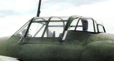 Кабина пилота и башенная стрелковая турель