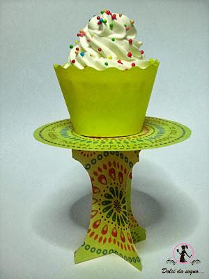 Alzata per cupcake fai da te - Cotto e Postato