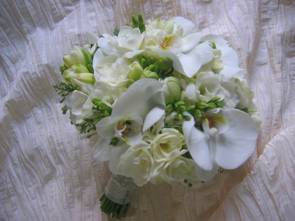 Wedding Flowers In The Philippines : Philippine wedding trends what s your bridal bouquet color