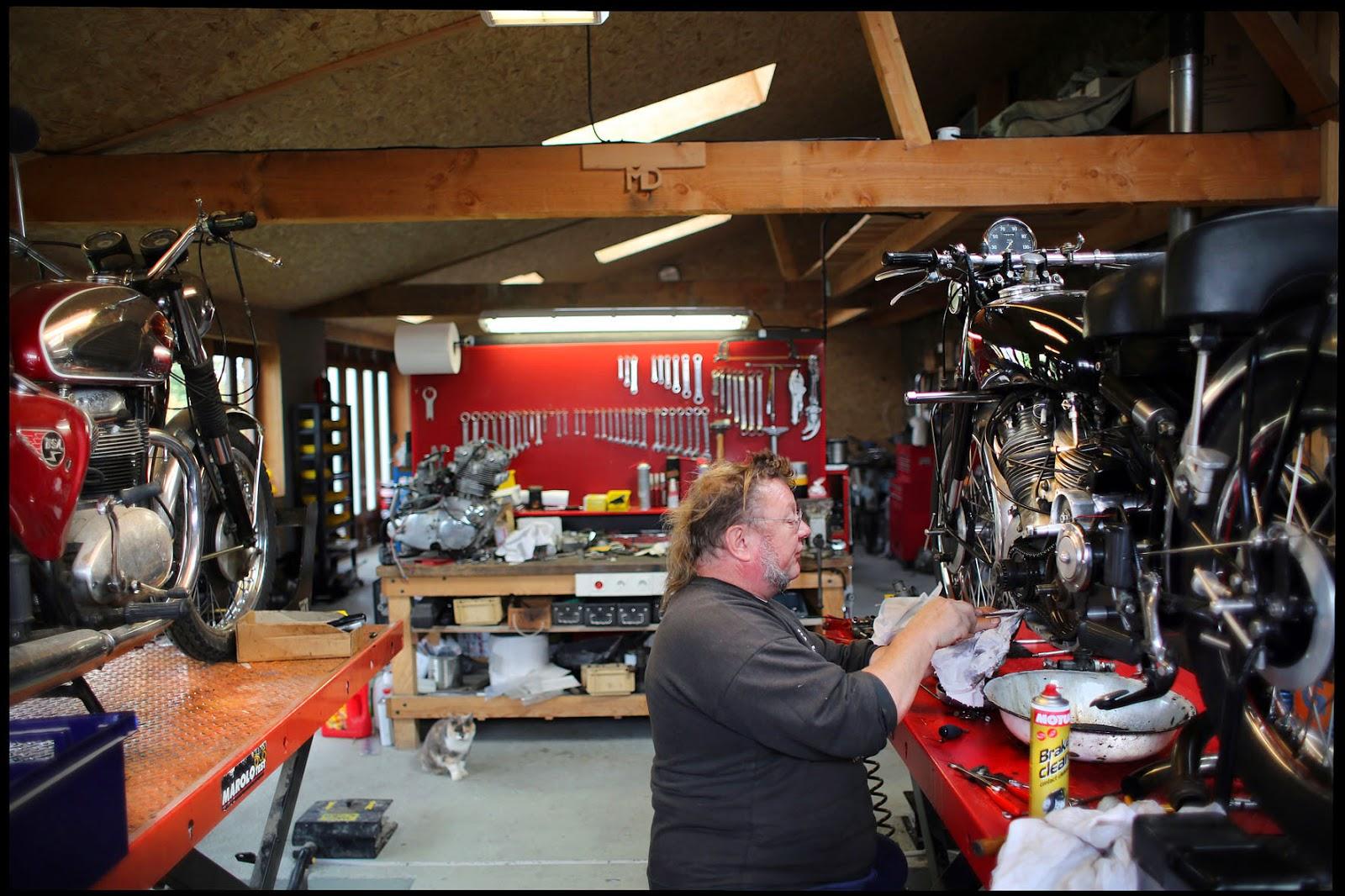 Thomas caplain auvergne motos classiques - Les plus beaux plans de maison du monde ...