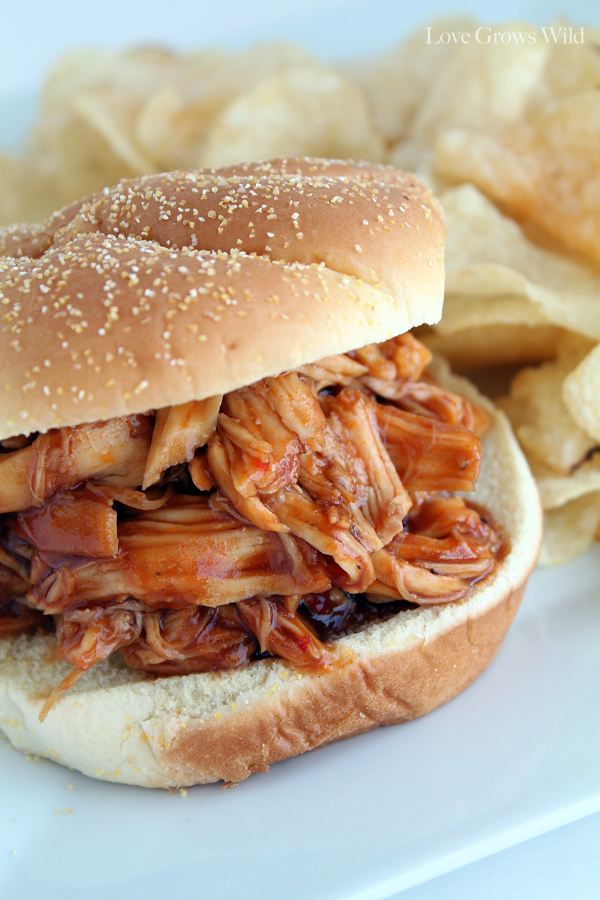 Slow-Cooker-Honey-Barbecue-Sandwiches-4.