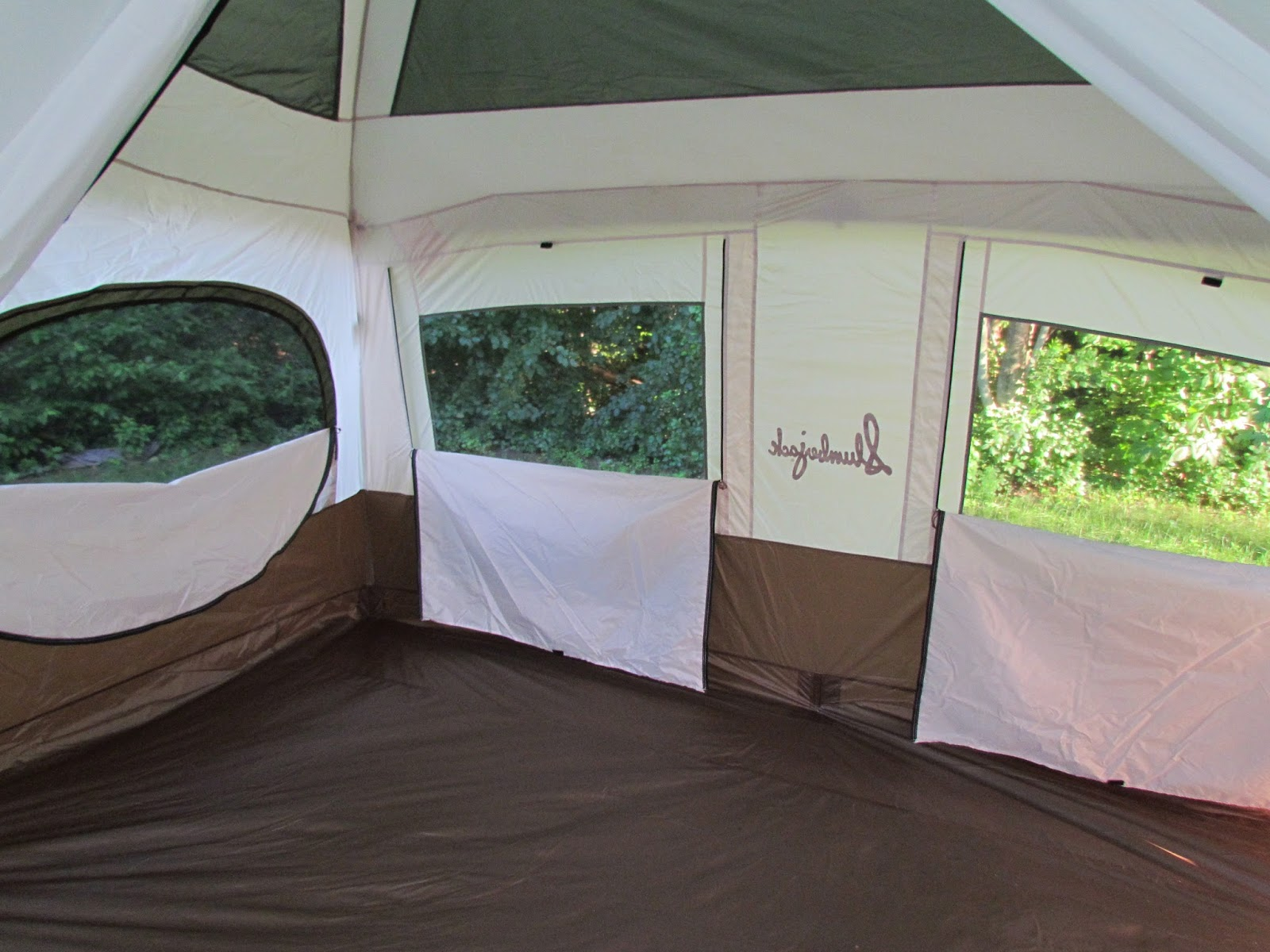 This is only about 3/4 of the tent floor. Itu0027s definitely large. & Mommyu0027s Favorite Things: Slumberjack Review