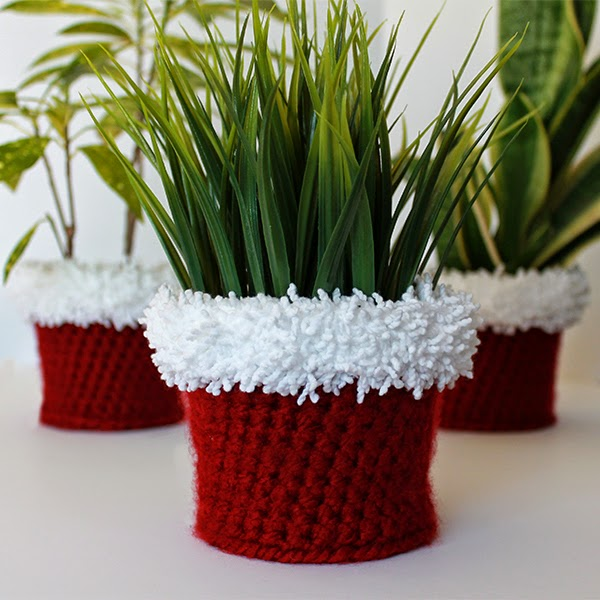 Santa Crochet Planter Cover | The Inspired Wren
