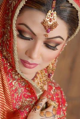 Pakistani Bridal Makeup Collection 2011-12
