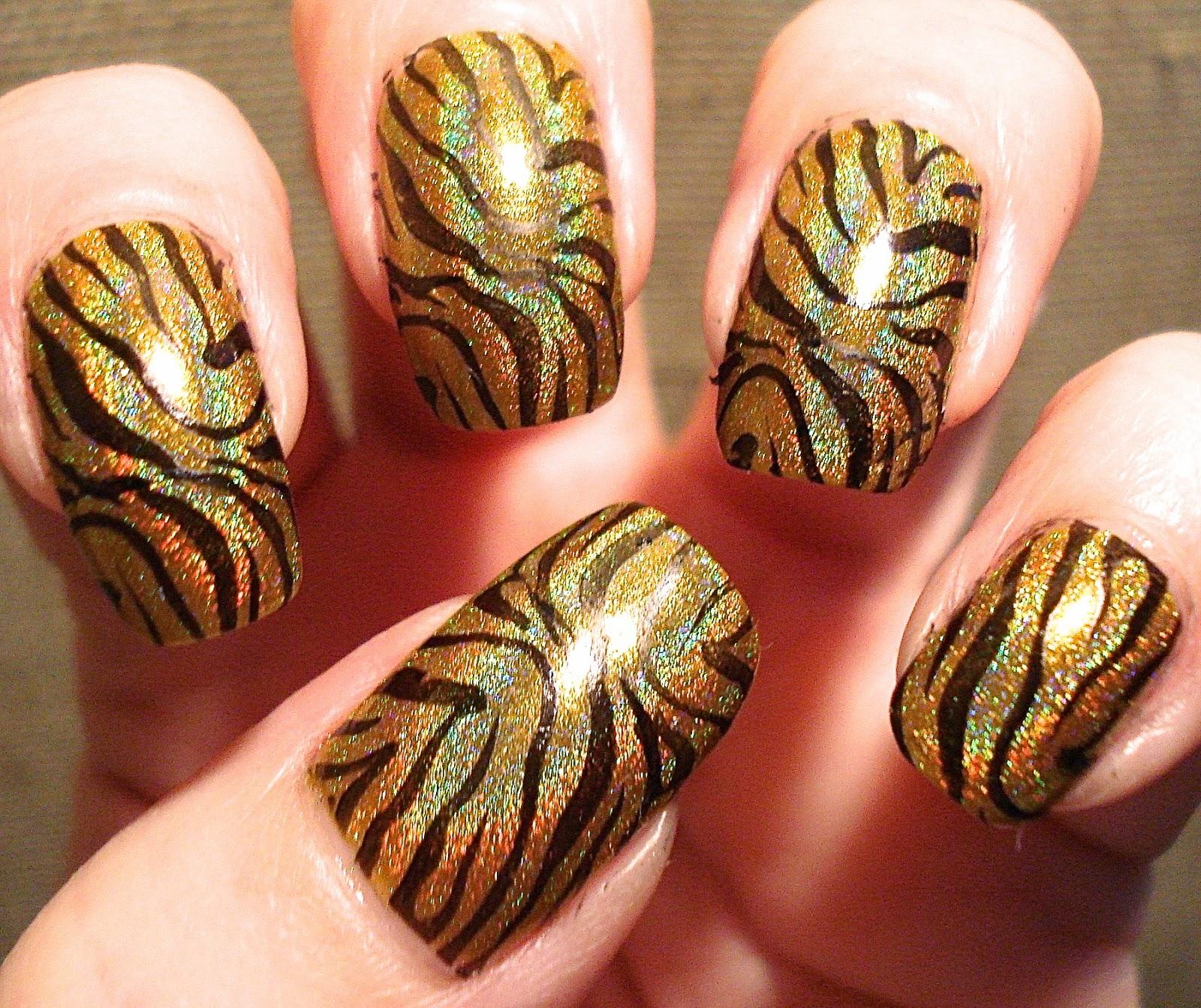 Ногти тигровый глаз фото